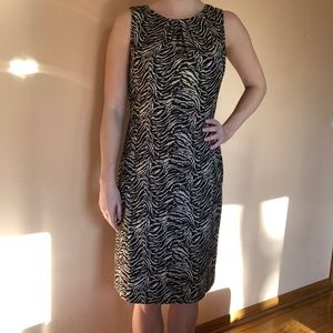 Brown & cream patterned sheath dress
